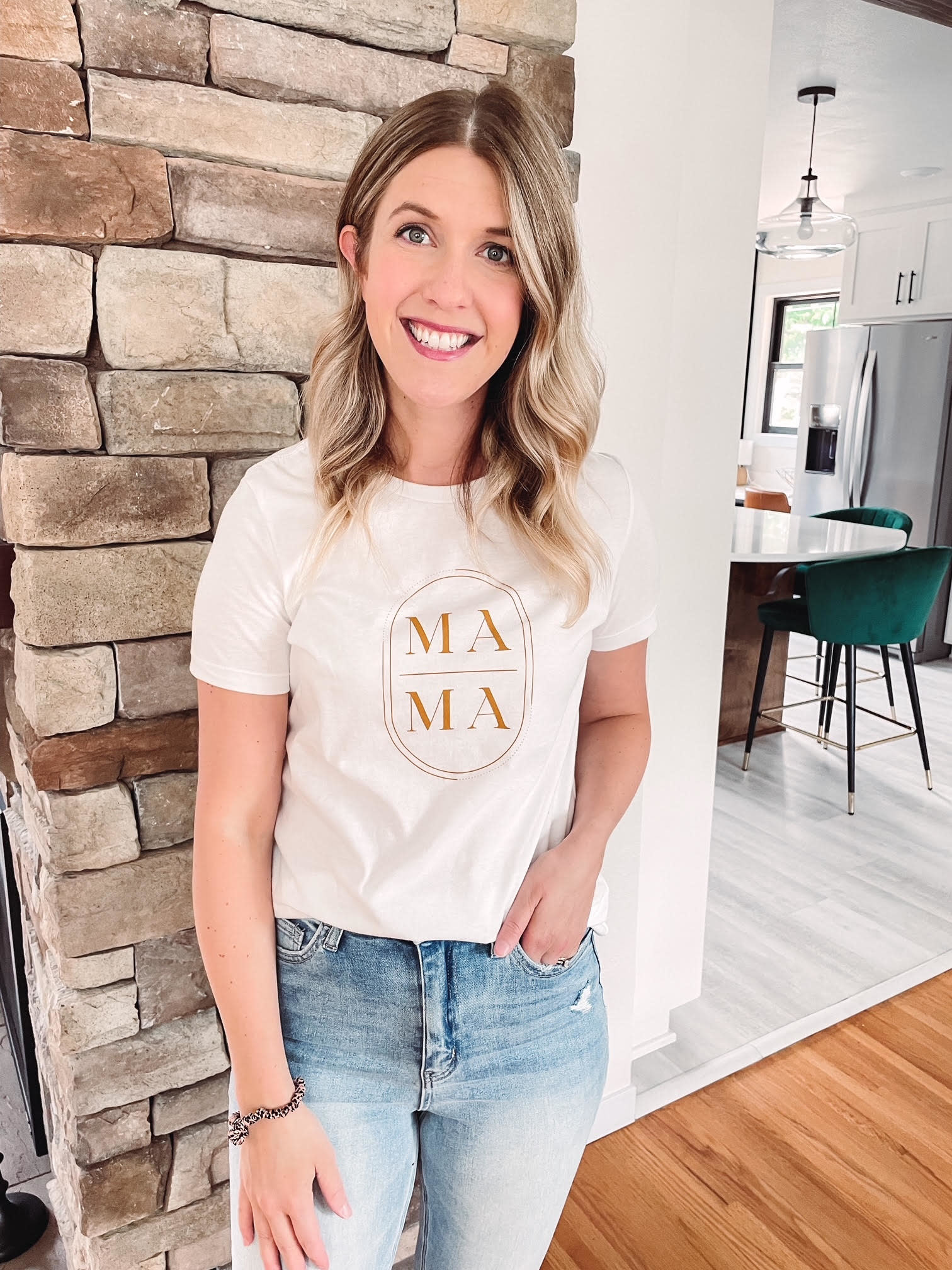 Gold Mama Graphic