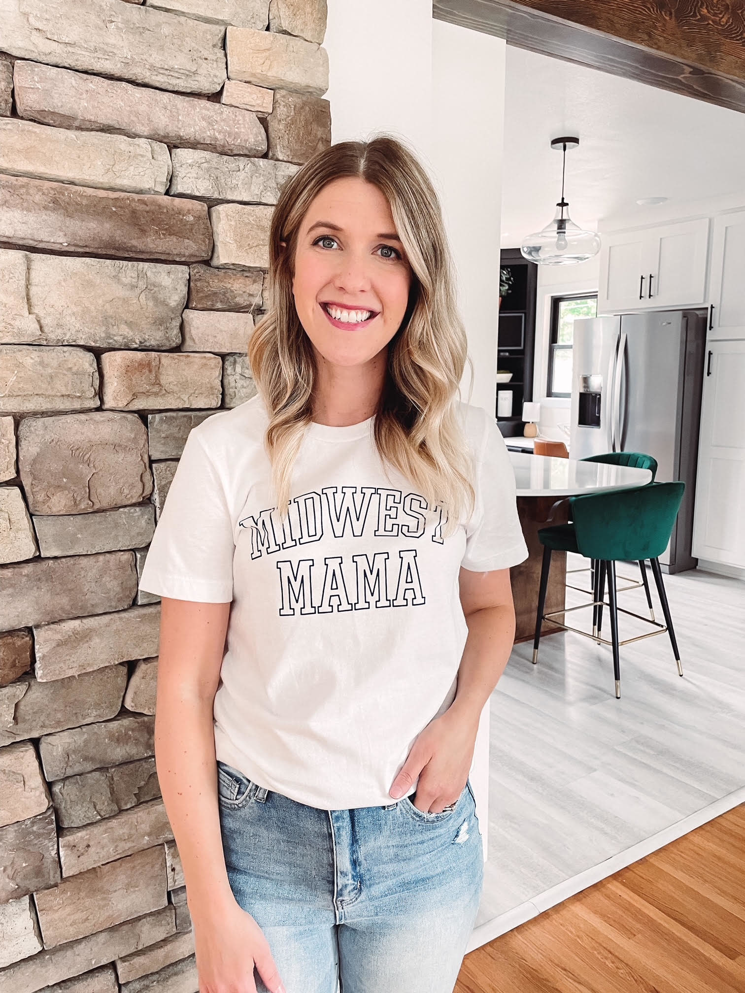 Midwest Mama Graphic Tee