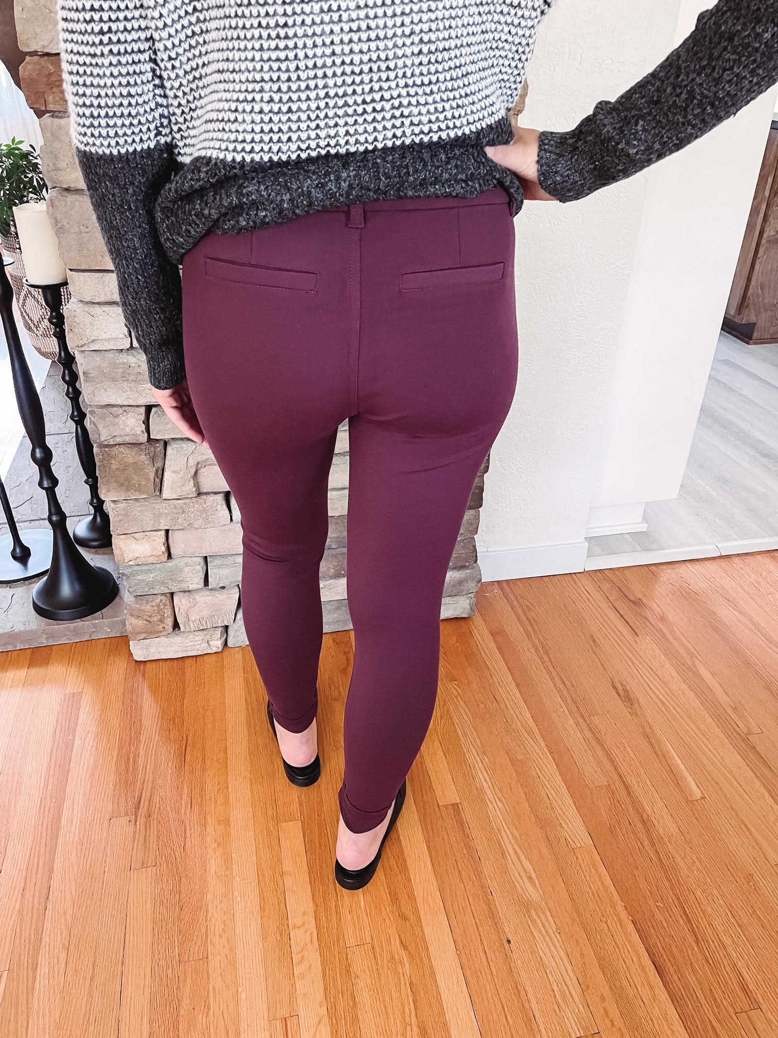 KUT from the Kloth Mia Ankle Skinny in Port Wine Size 4