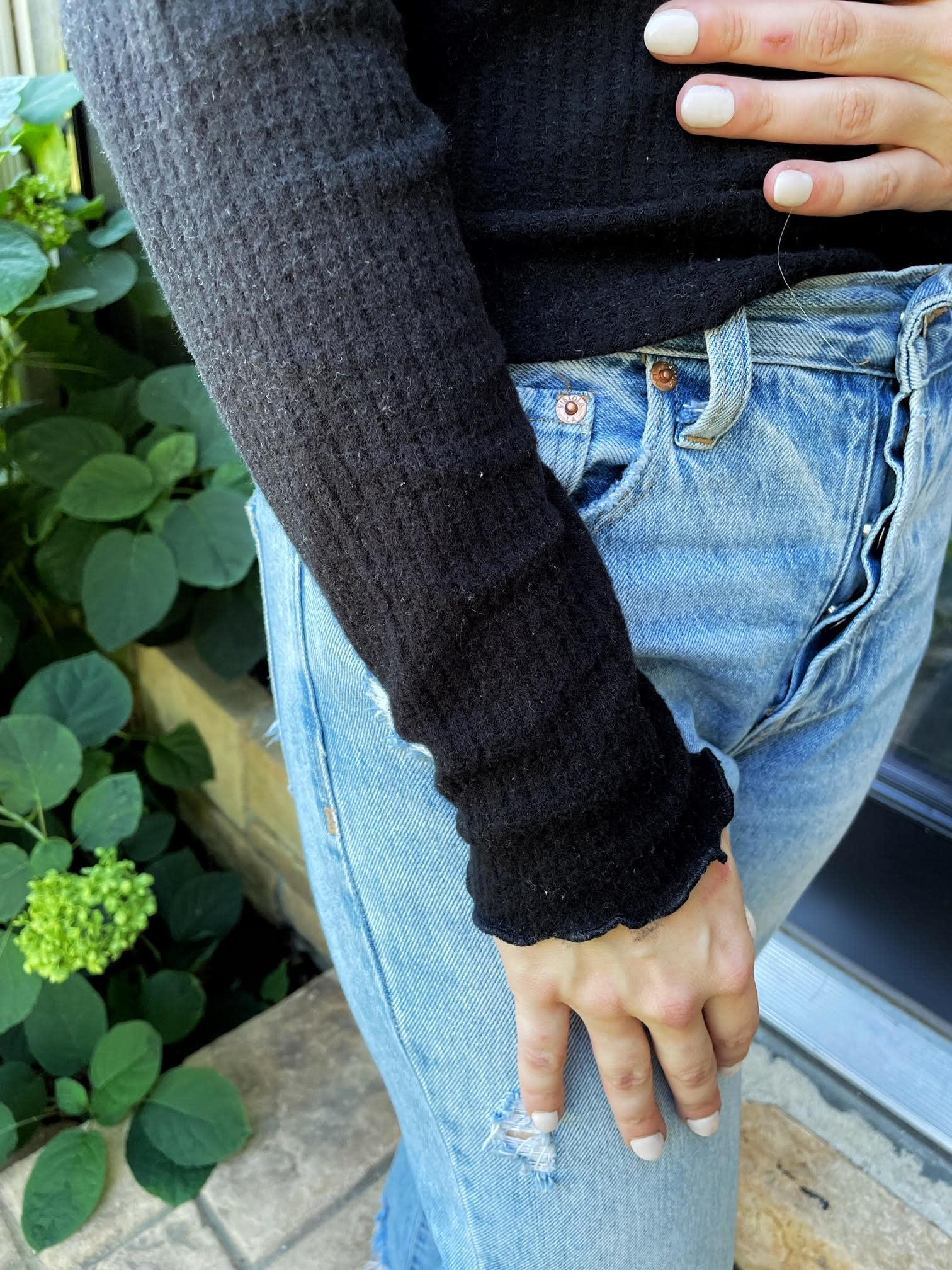 Ivy Black Lettuce Hem Long Sleeve