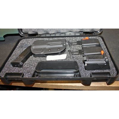 Smith & Wesson Smith & Wesson MP9 Range Kit (New) W/ 4 Mags etc.