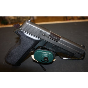 Consignment Sig Sauer P226 40 S&W w/ One Mag, Case, extras