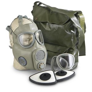 Czech Military Surplus Czech M10 Gas Mask with Filter & Bag