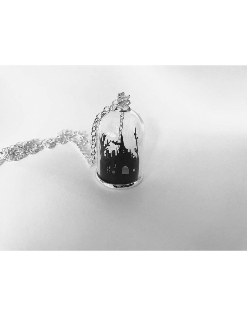 CURIOLOGY - Midnight Mausoleum Necklace