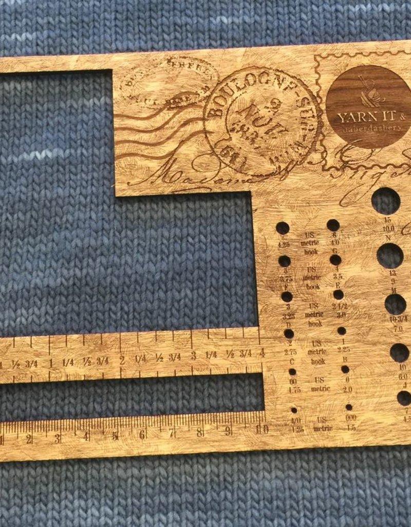 Retromantic Vintage Large Corner & Needle Gauge