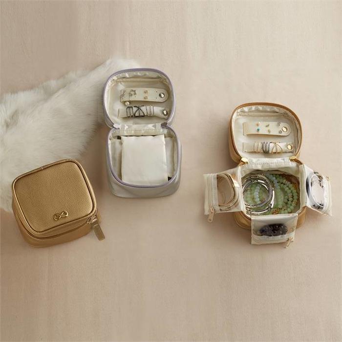 Vegan Leather Jewelery Box- Silver