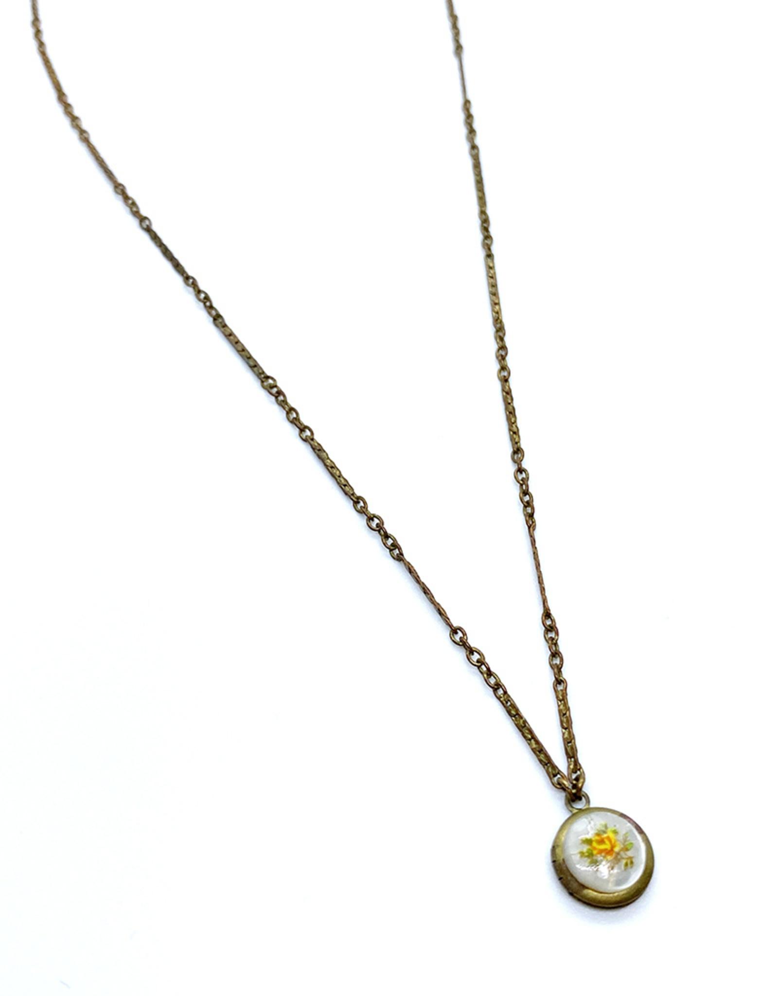 kizmet jewelry Small Floral Detailed Locket by Kizmet Jewelry
