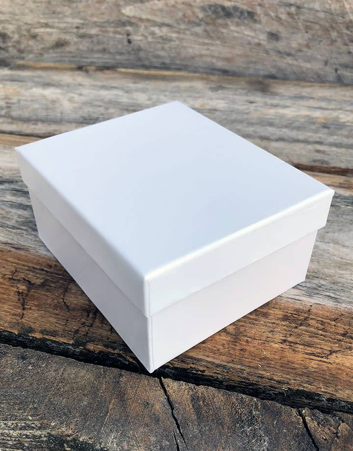 DBX1319 = Double Door Leatherette Large Earing Box with Packer