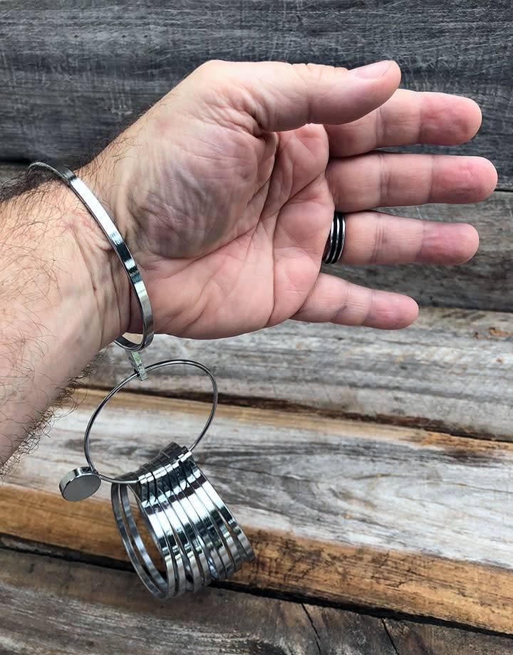 GA2563 = Bracelet Gauge Large / Men's Sizes (19-27)