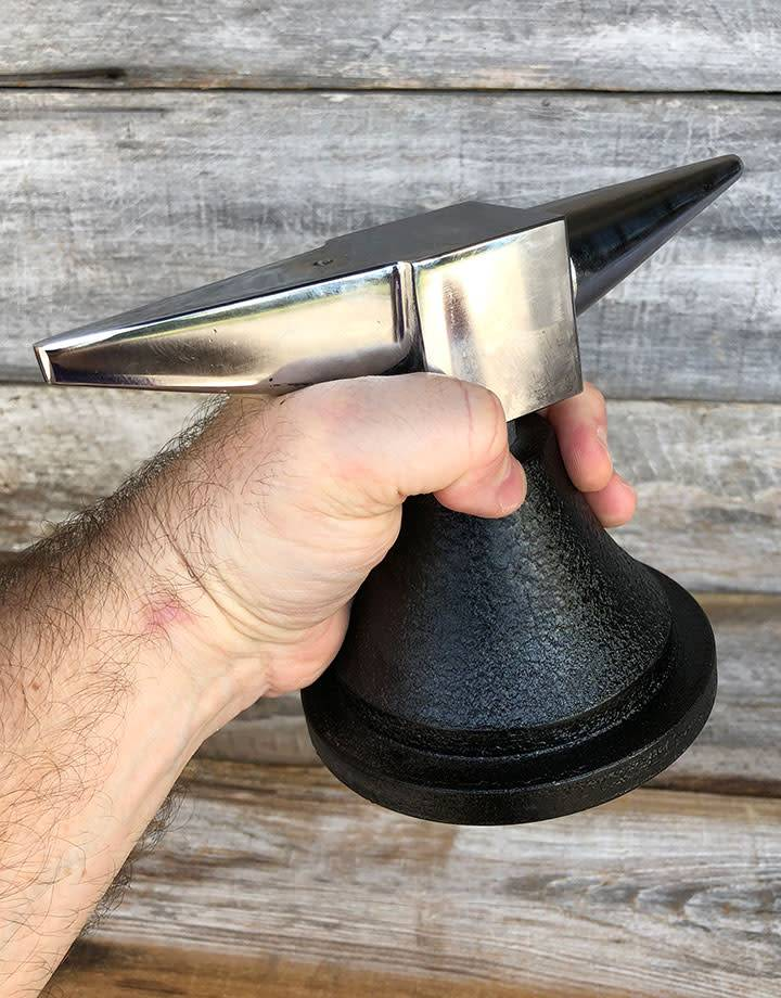 AN222 = ANVIL - HORN SHAPED LARGE  4 1/2''