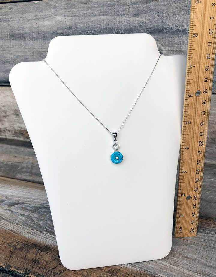 DCH6678 = WHITE LEATHERETTE NECKLACE EASELS PADDED  6-1/2'' X 8''H