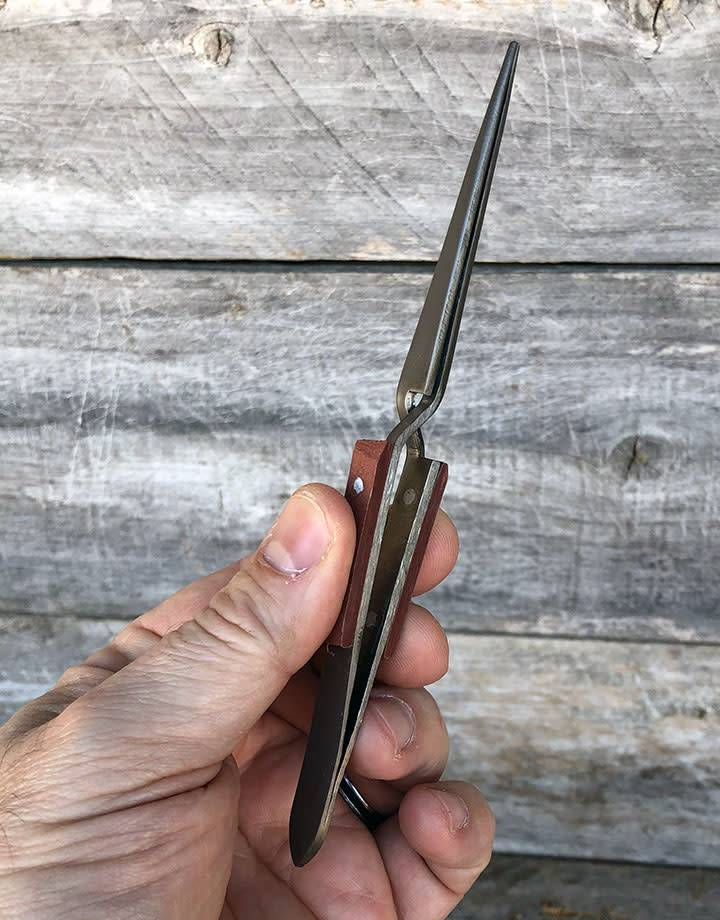 57.766 = Titanium Cross Lock Fiber Grip Tweezers