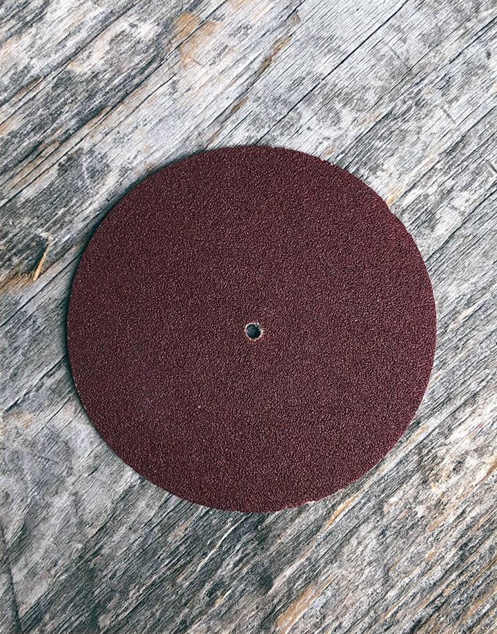 10.01102 = Aluminum Oxide Pinhole Sanding Disc Extra Fine  (320grit) 1-1/2''  (Pkg of 100)