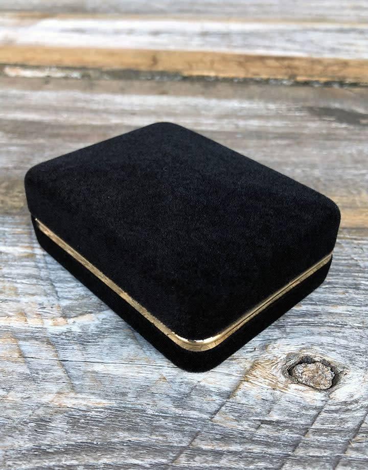 DBX1632 = Black Rich Velvet Earring Box with ''T'' Form &  Goldtone Trim (Each)