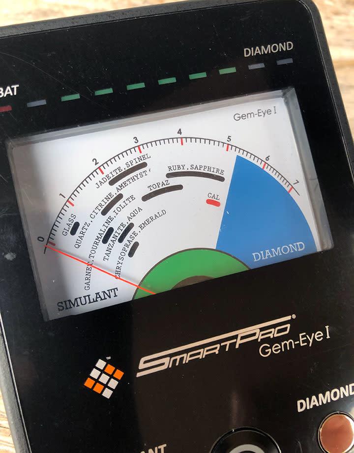 56.926 = SmartPro Gem-Eye 1 Gemstone Tester