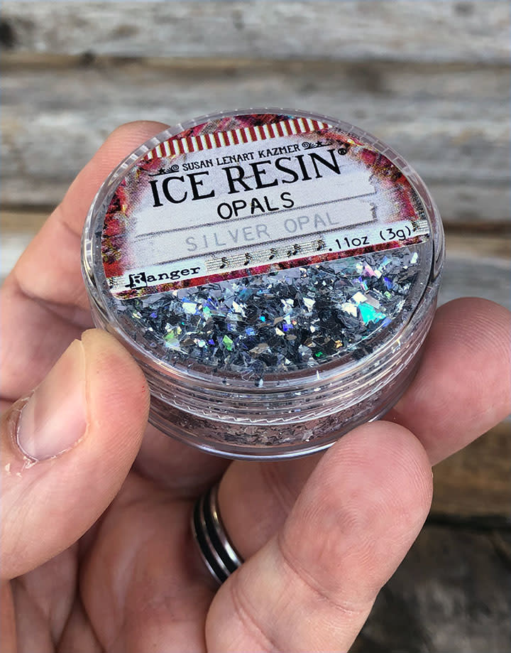 CE772 = Ice Resin Silver Opal