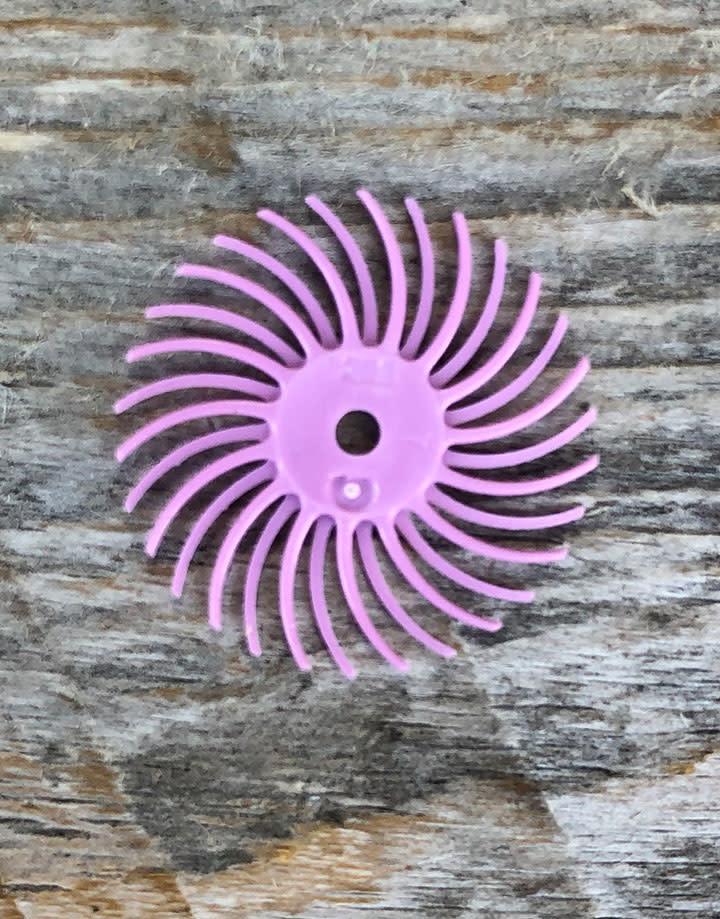 3M 10.9103 = 3M Bristle Disc 3/4'' Extra Fine Pumice grit (Pkg of 12)
