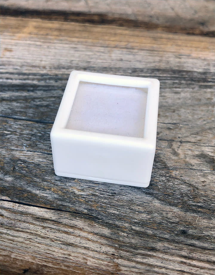 DST4004 = Gem Box with Glass Top & Foam Insert 1'' Square White (Pkg of 50)