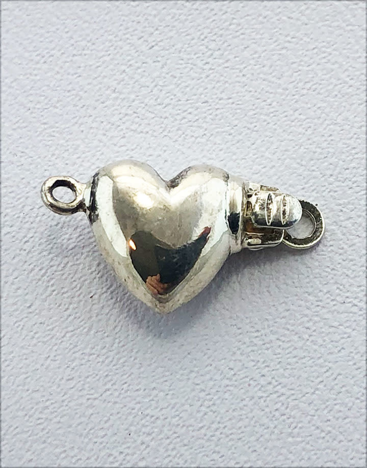 915S-20 = STERLING SILVER - CLASP HEART 9MM-SINGLE (EACH)