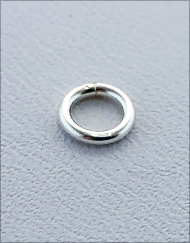 907S-3.25 = Closed Jump Ring Sterling Silver 3.25mm IDx.035'' (19ga) Wire (Pkg of 20)