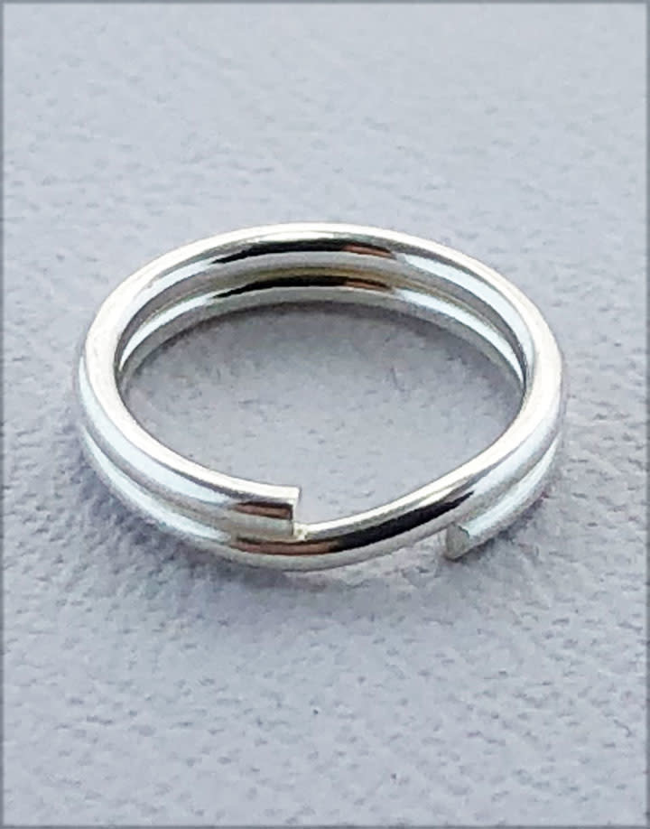 901S-05 = Round Split Ring Sterling Silver 8.2mm (Pkg of 10)