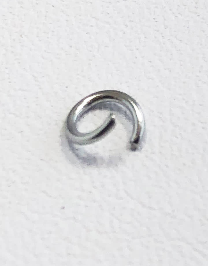 904L-4024 = Stainless Steel Jump Ring Pre-open 22ga, 4mm ID (Pkg of 100)
