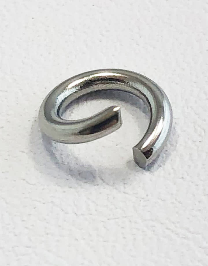 904L-7051 = Stainless Steel Jump Ring Pre-open 16ga, 7mm ID (Pkg of 100)