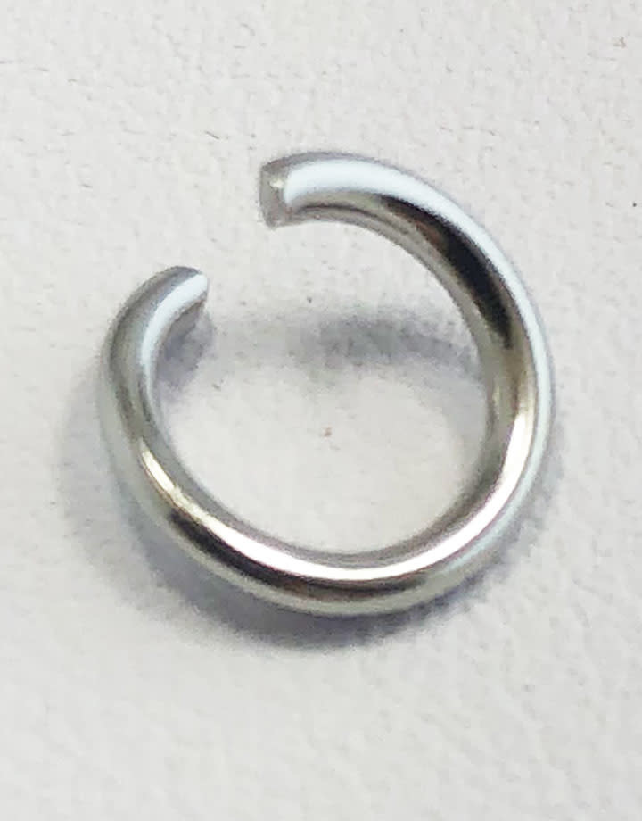 904L-8051 = Stainless Steel Jump Ring Pre-open 16ga, 8mm ID (Pkg of 100)