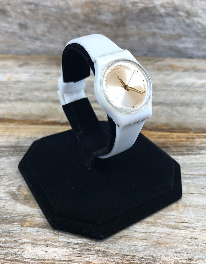 DWA1101 = Black Value Velvet Watch Stand