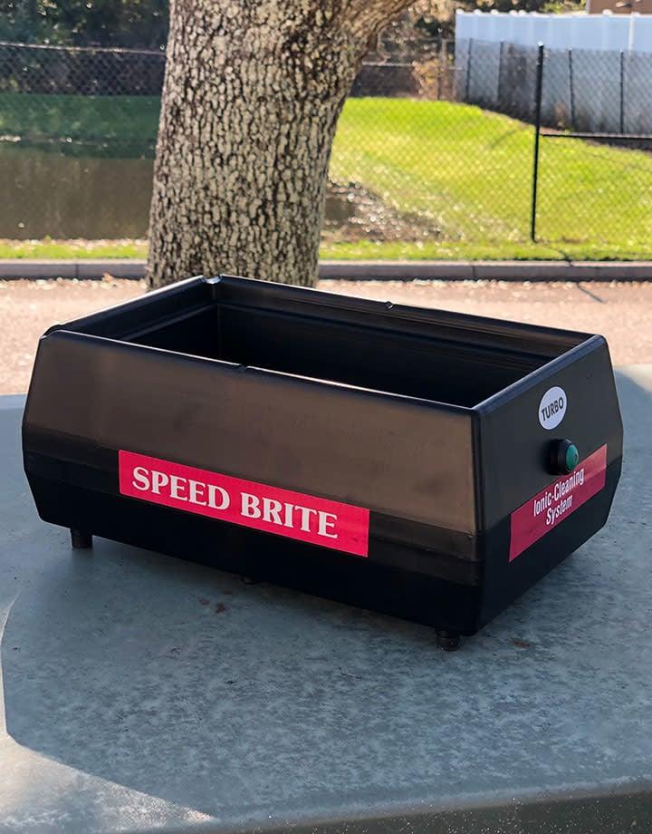 23.643 = Speed Brite Turbo Cleaning Machine (309SB Turbo)