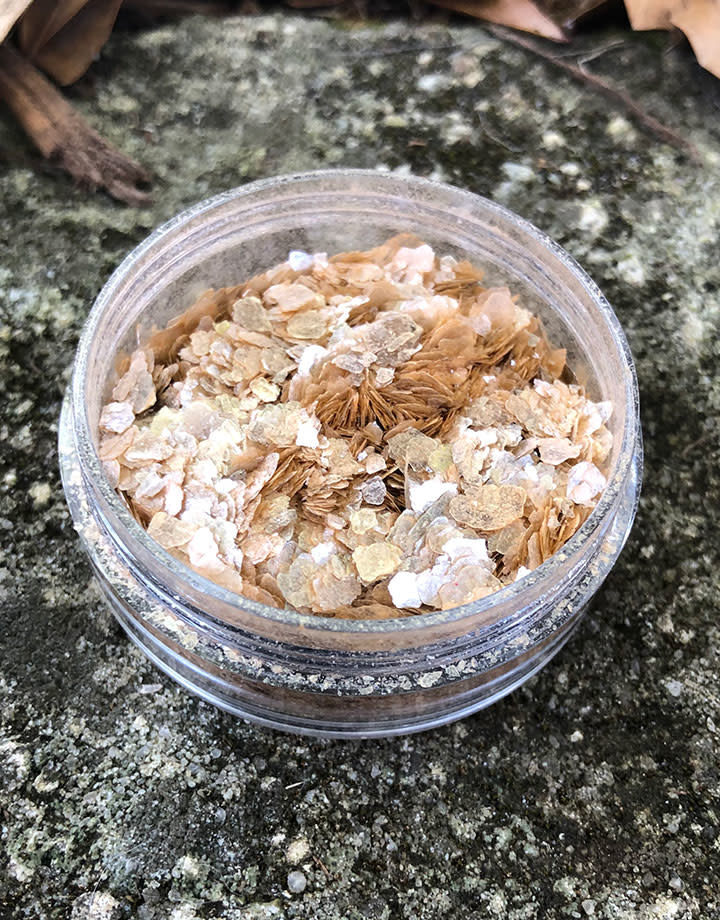 CE740 = Ice Resin Shattered Mica - Bronze Color