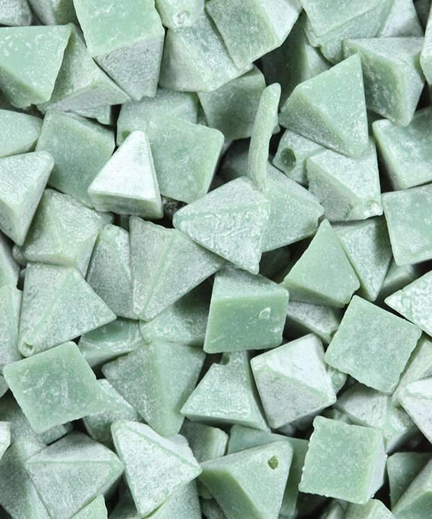 47.0141 = Tumbling Media Fine Plastic Pyramids (5lb)