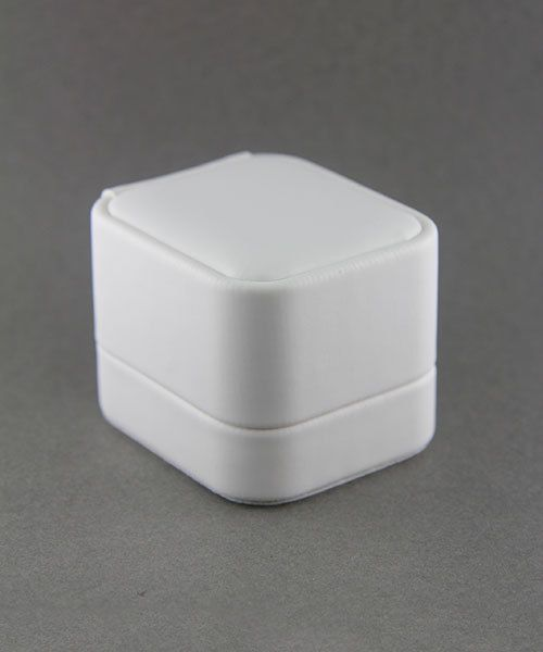 DBX5831W = White Leatherette Round Corner Ring Box (EACH)