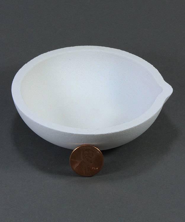 22.782 = Ceramic Melting Dish / Crucible 100dwt Capacity