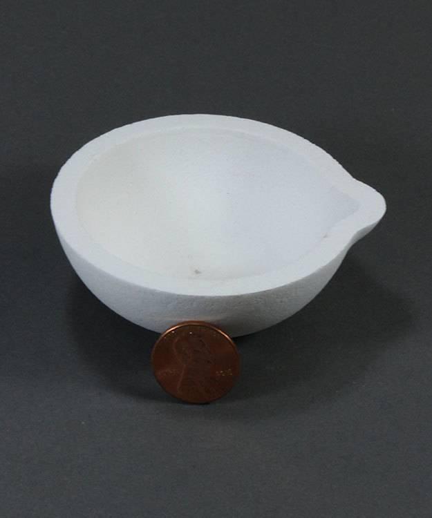 22.781 = Ceramic Melting Dish / Crucible 40dwt Capacity