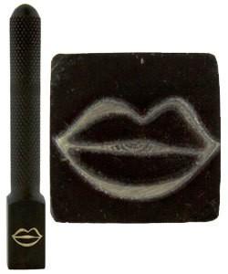 PN5707 = DESIGN STAMP ELITE JUMBO 10mm - lips