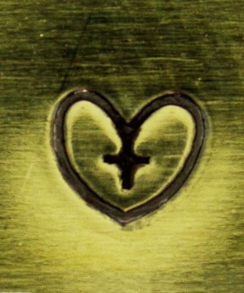 PN5331 = DESIGN STAMP - heart with cross