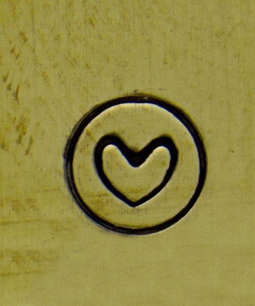 PN5330 = DESIGN STAMP - heart in circle
