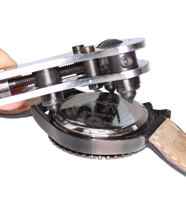 59.0790 = Jaxa Style Watch Wrench with Wood Storage Box