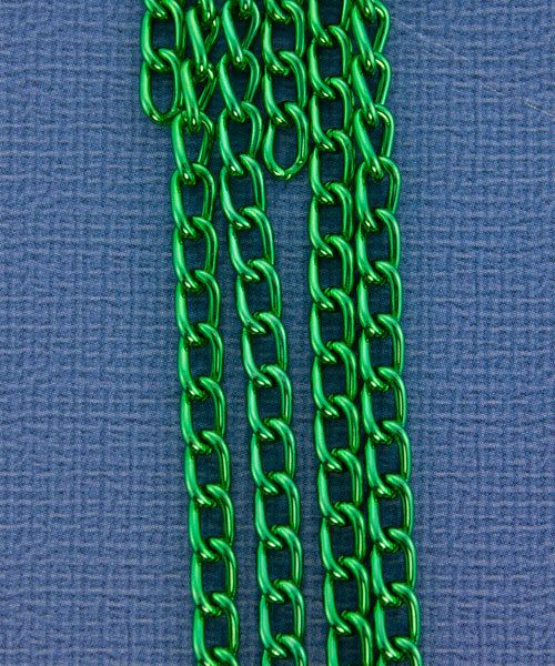 800AL-063KG = Aluminum Curb Chain Kelly Green 6 x 3.6mm Wide 5 feet Long