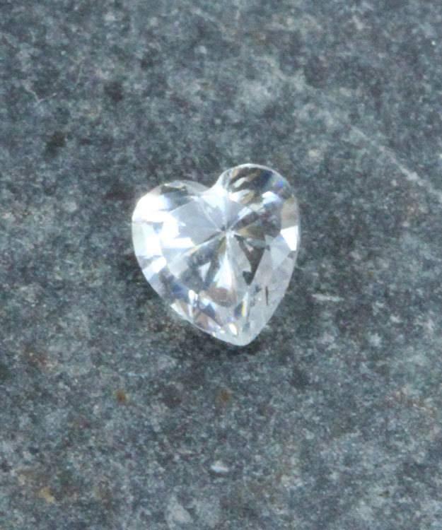 CZHT4X4 = Cubic Zirconia Heart Shape 4x4mm (Pkg of 5))