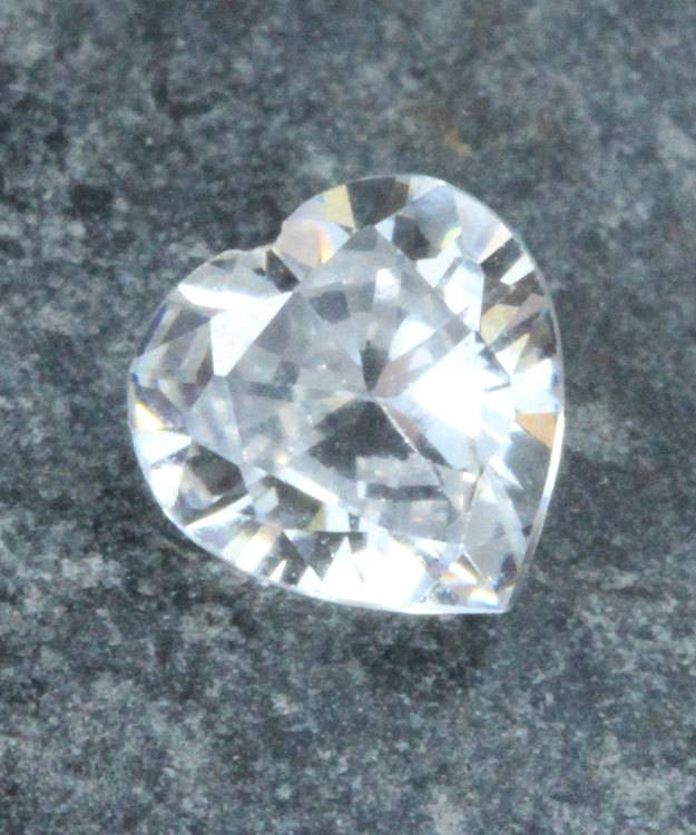 CZHT6X6 = Cubic Zirconia Heart Shape 6x6mm (Pkg of 5))