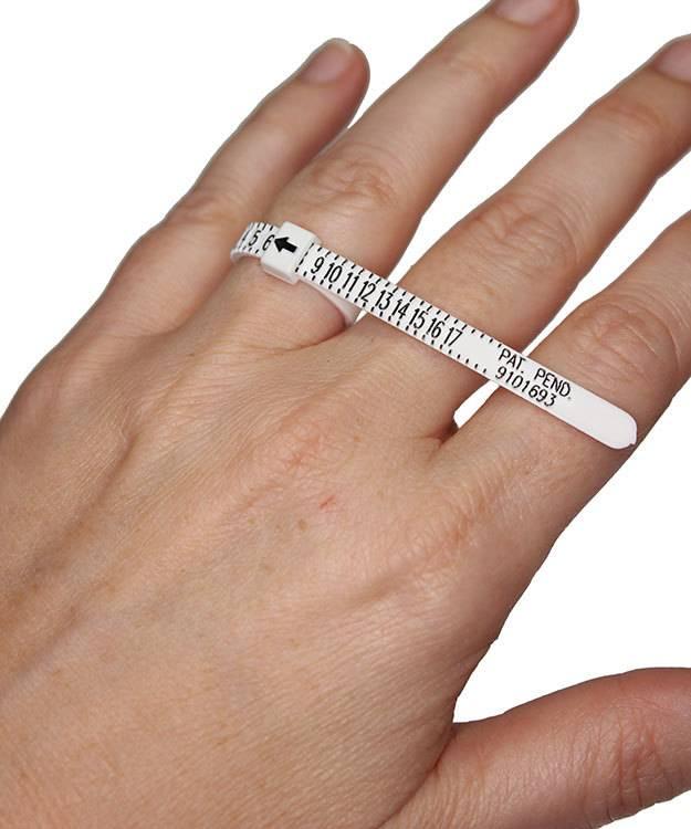 GemOro GA196 = Multisizer White Plastic Finger Gauge Strip (Pkg of 5)