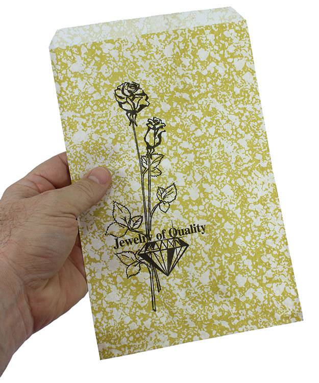 DBG1164 = Paper Gift Bag Gold and Black Pattern 6'' x 9'' (Bundle of 100)