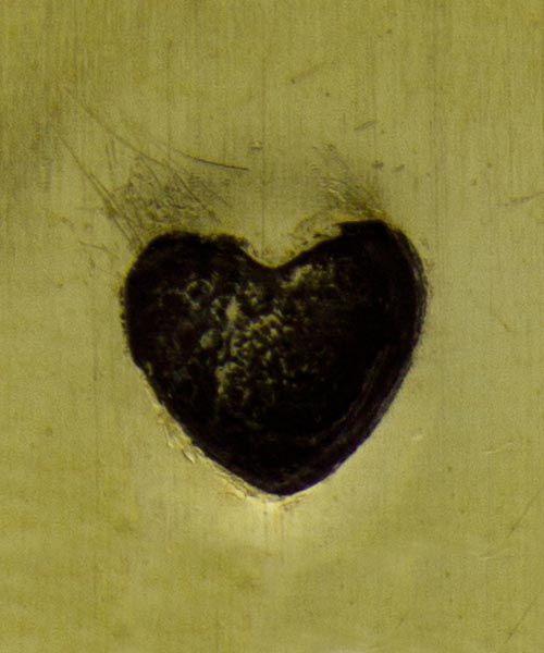 PN5296 = DESIGN STAMP - solid heart
