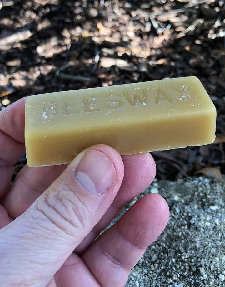 26.100 = Bee's Wax - 1oz Bar