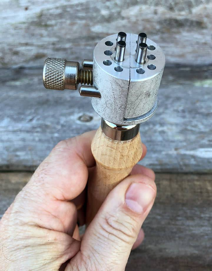 48.110 = Adjustable Ring Holding Vise