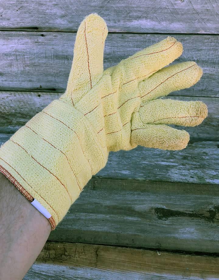CA919 = Heat Resistant Gloves