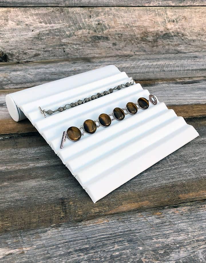 "DBR6223 = White Leatherette Bracelet RAMPS 8"""