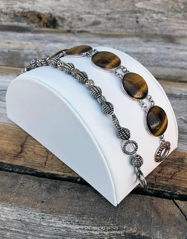 """DBR6234 = White Leatherette Half Round Bracelet Display 3"""" Wide"""